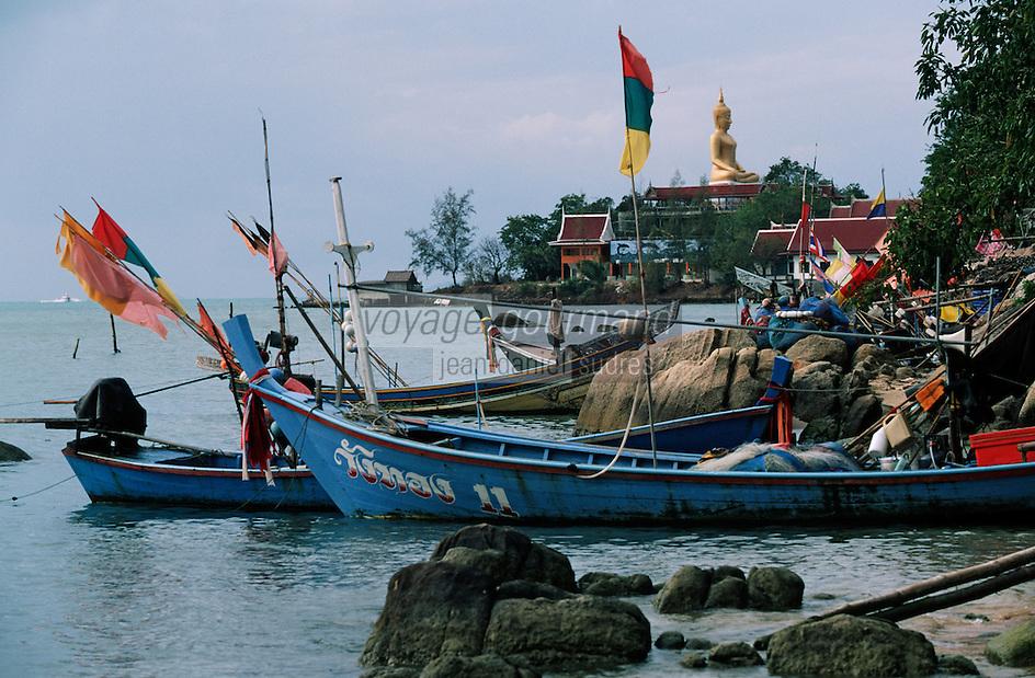 Thaïlande/Ile de Ko Samui: Le grand Bouddha et barques de pêche