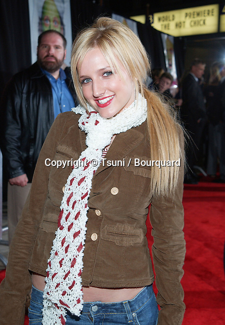 Ashlee Simpson arriving at the Premiere of Hot Chick at the Century Plaza Theatre in Los Angeles. December 2, 2002.             -            SimpsonAshlee217.jpg