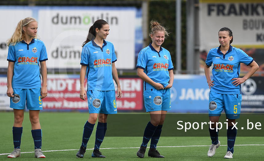 20191005  -  Diksmuide , BELGIUM : FWDM's Celine Leeman , FWDM's Angelique Veracx , FWDM's Inge Vandermarcke and FWDM's Hanne Borteel pictured during a footballgame between the womensoccer teams from Famkes Westhoek Diksmuide Merkem and KV Mechelen Ladies A , on the 5th matchday in the first division , 1e nationale , in Diksmuide - Belgium - saturday 5th october 2019 . PHOTO DAVID CATRY | Sportpix.be