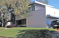 Richard Neutra: Kaufmann House, 234 S. Hilgard Ave., Westwood. 1937. (Bedrooms on 2nd floor have glass doors opening to deck.) Photo '88.