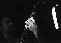 CIUDAD DE MÉXICO, septiembre 18, 2014. Demián Galvez del grupo de Jazz de Los Dorados durante su concierto en el salón Pata Negra de la Ciudad de México, el 18 de septiembre de 2014. FOTO: ALEJANDRO MELÉNDEZ