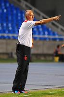 ATENCAO EDITOR: FOTO EMBARGADA PARA VEÍCULOS INTERNACIONAIS. - RIO DE JANEIRO, RJ, 16 DE SETEMBRO DE 2012 - CAMPEONATO BRASILEIRO - FLAMENGO X GREMIO - Dorival Junior, treinador do Flamengo, durante partida contra o Gremio, pela 25a rodada do Campeonato Brasileiro, no Stadium Rio (Engenhao), na cidade do Rio de Janeiro, neste domingo, 16. FOTO BRUNO TURANO BRAZIL PHOTO PRESS