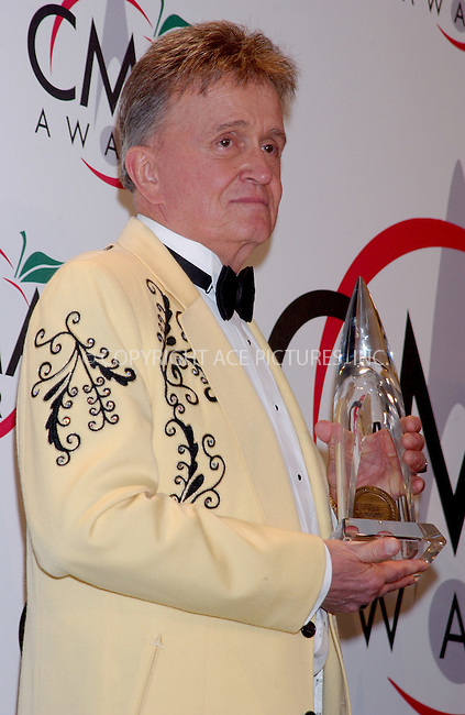 WWW.ACEPIXS.COM . . . . . ....NEW YORK, NOVEMBER 15, 2005....Bill Anderson at The 39th Annual CMA Awards Press Room at Madison Square Gardens.......Please byline: KRISTIN CALLAHAN - ACE PICTURES.. . . . . . ..Ace Pictures, Inc:  ..Philip Vaughan (212) 243-8787 or (646) 679 0430..e-mail: info@acepixs.com..web: http://www.acepixs.com