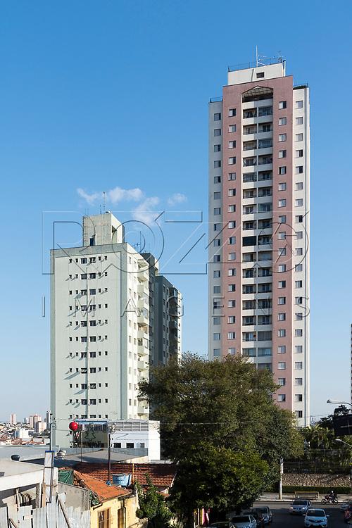 Edifícios residenciais no Bairro da Penha, São Paulo - SP, 08/2017.