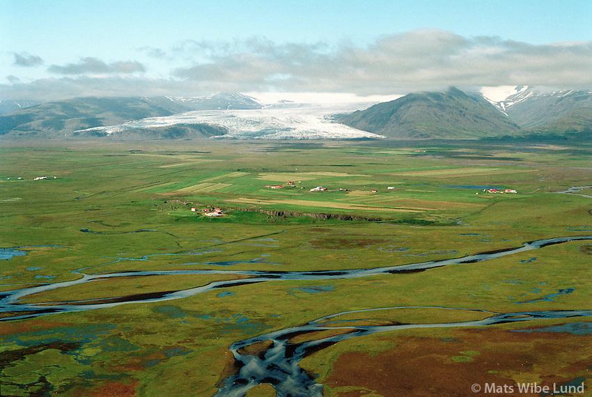 Stóraból, Höfðabrekka og Kyljuholt séð til norðvesturs, Mýrahreppur / Storabol, Hofdabrekka and Kyljuholt viewing northwest.