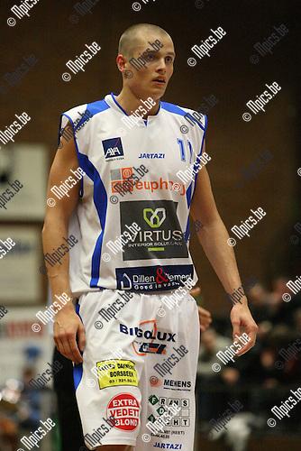 2009-11-08 / Basketbal / seizoen 2009-2010 / Kangoeroes Boom - Carnières / N. Leten..foto: mpics