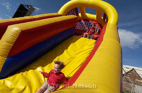 Nathaniel Nelson. Fundraising carnival at Emerson Elementary 05.12.2003, 5:57:03 PM<br />