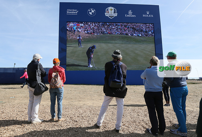 Watching big scoreboard during Saturday's Fourballs, at the Ryder Cup, Le Golf National, Île-de-France, France. 29/09/2018.<br /> Picture David Lloyd / Golffile.ie<br /> <br /> All photo usage must carry mandatory copyright credit (© Golffile   David Lloyd)