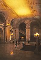 New York: New York Public Library--entrance. Photo '91.