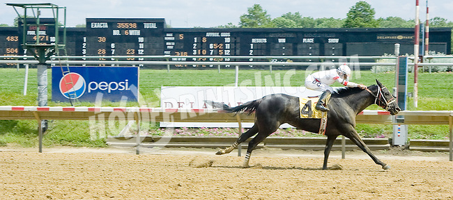 Tapeit Express wiining at Delaware Park on 6/2/12