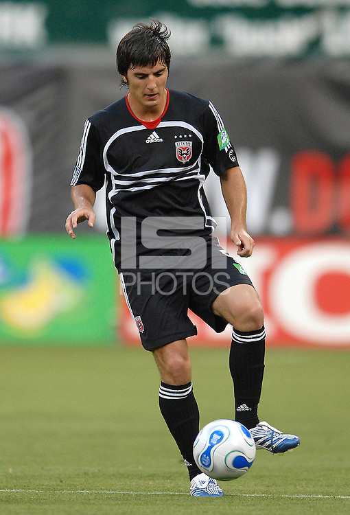 DC United defender Facundo Erpen (5) traps the ball. DC United defeated the Chicago Fire 1-0, Wednesday, June 21, 2006.