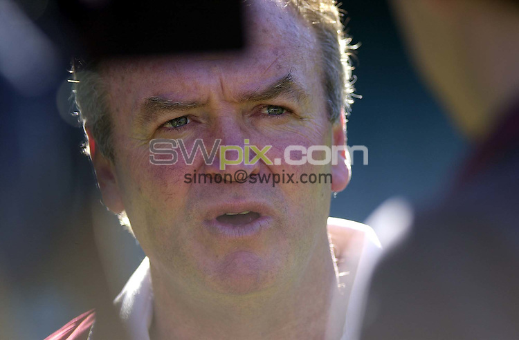 Pix:Ben Duffy/SWpix...The Lions in Australia.....22/06/2001..COPYRIGHT PICTURE>>SIMON WILKINSON..The Head Coach of the Lions, Graham Henry answers media question at a training session at the Sydney Football ground