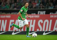 FUSSBALL   1. BUNDESLIGA   SAISON 2011/2012    5. SPIELTAG SV Werder Bremen - Hamburger SV                         10.09.2011 Claudio PIZARRO (Bremen) am Ball