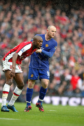 8 November 2008: Arsenal captain William Gallas and Wayne Rooney during the Premier League game between Arsenal and Man Utd, played at The Emirates Stadium. Arsenal won the game 2-1 Photo: Action Plus..081108 soccer football player