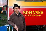 20080130 - France - Aquitaine - Bordeaux<br /> ALEXANDRE ROMANES, LE DIRECTEUR DU CIRQUE ROMANES.<br /> Ref : CIRQUE_ROMANES_010.jpg - © Philippe Noisette.