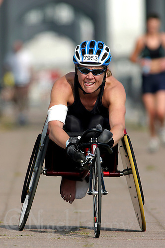 01 AUG 2004 - LONDON, GBR - Paula Craig - London Triathlon (PHOTO (C) NIGEL FARROW)