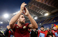 Calcio, Serie A: Lazio vs Roma. Roma, stadio Olimpico, 4 dicembre 2016.<br /> Roma&rsquo;s Kevin Strootman greets fans at the end of the Italian Serie A football match between Lazio and Rome at Rome's Olympic stadium, 4 December 2016. Roma won 2-0.<br /> UPDATE IMAGES PRESS/Isabella Bonotto