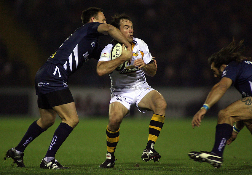 Photo: Paul Thomas..Sale Sharks v London Wasps. Guinness Premiership. 03/11/2006...Fraser Waters of Wasps.
