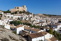 Spain, Andalusia, Province Almería, Vélez Blanco: pueblo blanco, Castillo de Vélez Blanco, renaissance castle, built by the Marquises of Velez Blanco | Spanien, Andalusien, Provinz Almería, Vélez Blanco: weisses Dorf mit dem Castillo de Vélez Blanco