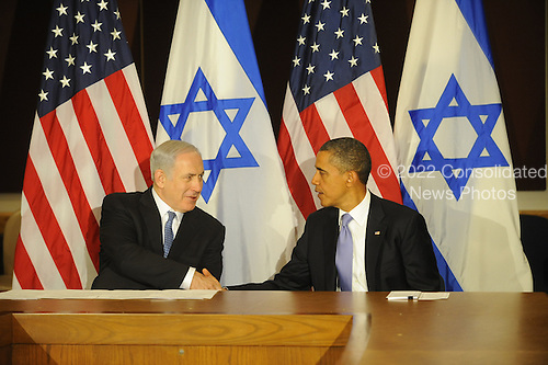 United States President Barack Obama, right, and Prime Minister Benjamin Netanyahu of Israel, left, shake hands after the President's statement to the pool prior to meeting Wednesday, Sept. 21, 2011 at United Nations Headquarters in New York, New York..Credit: Aaron Showalter / Pool via CNP