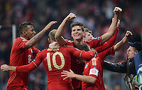 FUSSBALL   CHAMPIONS LEAGUE  HALBFFINAL HINSPIEL   2011/2012      FC Bayern Muenchen - Real Madrid          17.04.2012 Jubel nach dem 2:1: Jerome Boateng, Arjen Robben, Mario Gomez und Philipp Lahm (v.l., alle FC Bayern Muenchen)