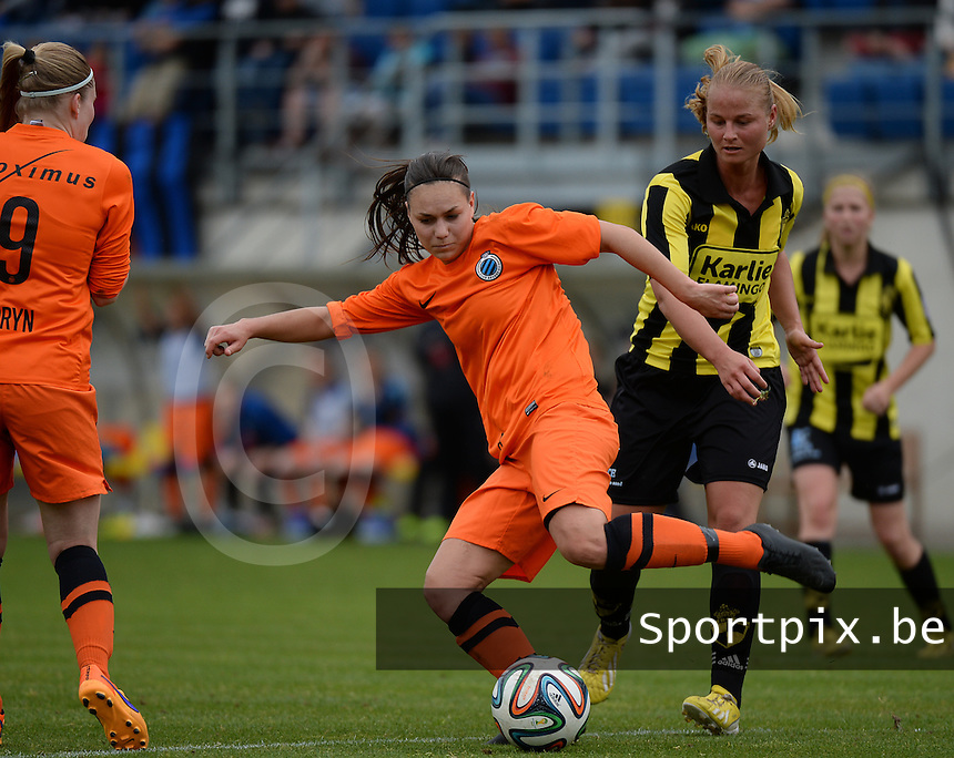 20150514 - BEVEREN , BELGIUM : Brugge's Jassina Blom (left) pictured with Lierse's Dominique Vugts (r) during the final of Belgian cup, a soccer women game between SK Lierse Dames and Club Brugge Vrouwen , in stadion Freethiel Beveren , Thursday 14 th May 2015 . PHOTO DAVID CATRY