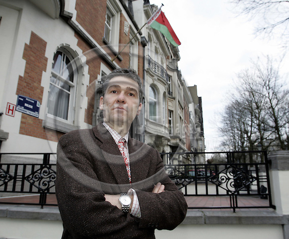 BRUSSELS - BELGIUM - 09 JANUARY 2007 -- Christian EGENHOFER, Senior Research Fellew at the Centre For European Policy Studies (CEPS) outside the Belarusian Embassy. --PHOTO: JUHA ROININEN / EUP-IMAGES