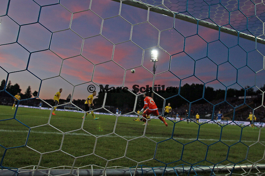 Stefano Ortega Moreno (Bielefeld) hält - SV Darmstadt 98 vs. Armina Bielefeld, Stadion am Böllenfalltor