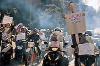 Roma 18 Novembre 2014<br /> Protesta in motorino,  al Campidoglio per chiedere le dimissioni del sindaco di Roma Ignazio Marino, per le multe non pagate,della Panda rossa. La protesta in motorino, &egrave; stata organizzata dal Comitato Cuoritaliani.<br /> Rome November 18, 2014<br /> Protest on scooters, on Capitol Hill to demand the resignation of the mayor of Rome Ignazio Marino, for unpaid fines, to  its Red Panda. The protest in the scooters, was organized by the Committee Cuoritaliani