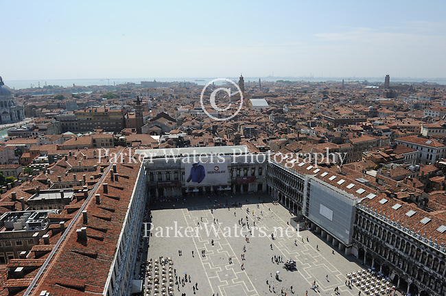 Images from Venice,Italy and the surrounding areas of Murano and Burano.
