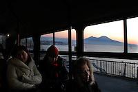 Napoli, il Vesuviodall'autobus a via Orazio.