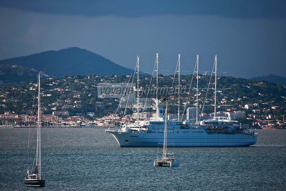 Europe/France/Provence -Alpes-Cote d'Azur/83/Var/Gassin: Yachts dans le Golfe de Saint-Tropez