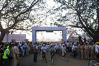 Start of the 2010 Mumbai Cyclothon mass ride - Bombay/Mumbai - India