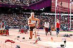 Engeland, London, 4 Augustus 2012.Olympische Spelen London.Meerkampster Dafne Schippers in actie op het onderdeel verspringen op de Olympische Spelen in Londen 2012. Schippers steeg na het vijfde onderdeel van de zesde naar de vijfde plaats