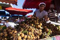 France, île de la Réunion, Saint Paul, marché hebdomadaire de Saint Paul,  longanes  //  France, Ile de la Reunion (French overseas department), weekly open market of Saint Paul, longan