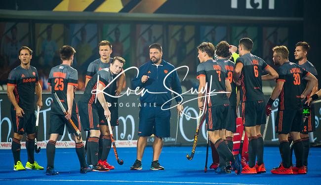 BHUBANESWAR (INDIA) -  bondscoach Max Caldas (Ned) met zijn team    tijdens Nederland-Canada (5-0) bij het WK Hockey heren.  COPYRIGHT KOEN SUYK