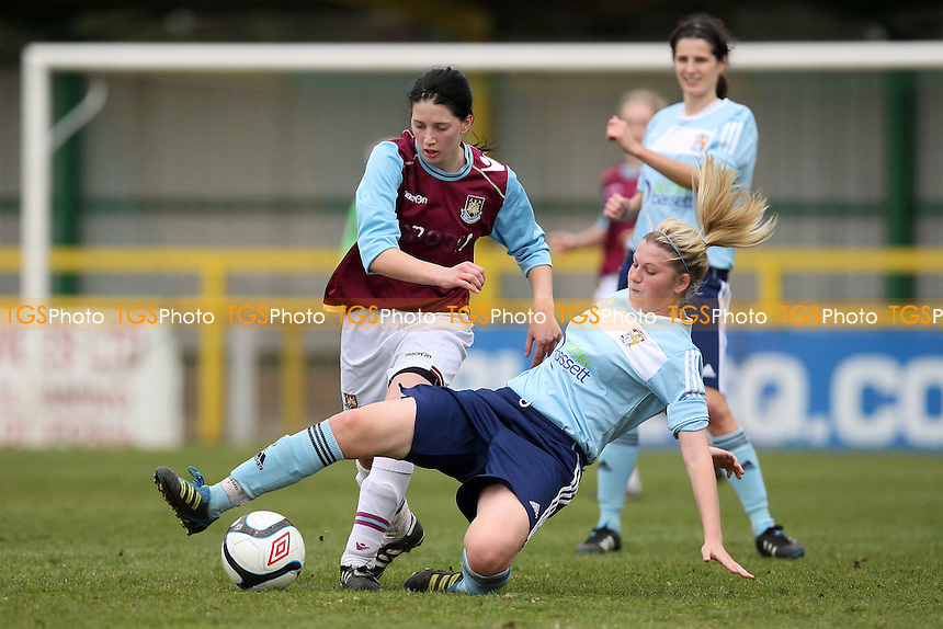 April Bowers in action for West Ham - West Ham United Ladies vs Coventry City Ladies - FA Womens Premier League Cup Quarter-Final at Ship Lane, Thurrock FC - 08/04/12 - MANDATORY CREDIT: Gavin Ellis/TGSPHOTO - Self billing applies where appropriate - 0845 094 6026 - contact@tgsphoto.co.uk - NO UNPAID USE.