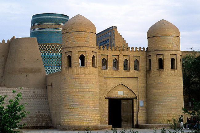 UZBEKISTAN, KHIVA, CITY GATE WITH KALTA MINOR