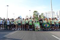 RIO DE JANEIRO, RJ, 05 AGOSTO 2012 -CORRIDA E CAMINHADA DA ESPERANCA - A Corrida e Caminhada da Esperanca levou centenas de pessoas ao Aterro do Flamengo no evento que faz parte do Crianca Esperanca, neste domingo, 05, no Aterro do Flamengo, zona sul do rio.(FOTO: MARCELO FONSECA / BRAZIL PHOTO PRESS).