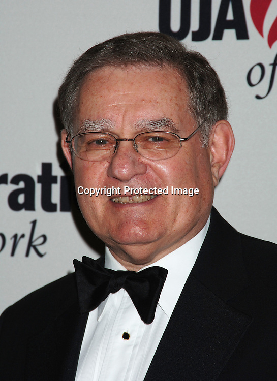 Arthur Siskind, Council of News Corp..at The UJA-Federation of New York dinner Honoring ..Richard Parsons, Chariman and CEO of Time Warner Inc..at The 10th Annual Steven J Ross Humanitarian Award..on May 11, 2006 at The Waldorf Astoria Hotel...Robin Platzer, Twin Images
