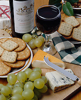 France: French Wine and Cheese | Frankreich: franzoesicher Wein und Kaese