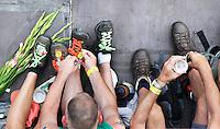 Nederland  Nijmegen 2016. De Vierdaagse van Nijmegen. Uitrusten na de finish.  Foto Berlinda van Dam / Hollandse Hoogte