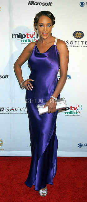 WWW.ACEPIXS.COM . . . . . ....NEW YORK, NOVEMBER 21, 2005......Vivica A. Fox arriving at the 33rd International Emmy Awards held at the Hilton Hotel.....Please byline: KRISTIN CALLAHAN - ACE PICTURES.. . . . . . ..Ace Pictures, Inc:  ..Philip Vaughan (212) 243-8787 or (646) 679 0430..e-mail: info@acepixs.com..web: http://www.acepixs.com