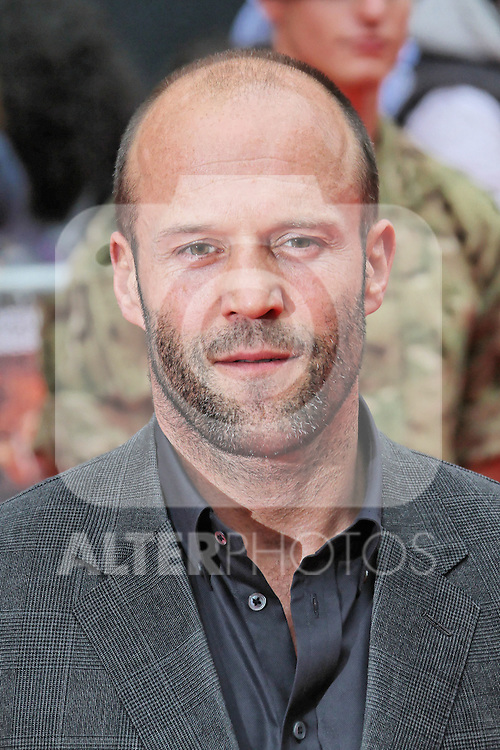 LONDON - AUGUST 13: Jason Statham attended the UK Film Premiere of 'The Expendables 2', Leicester Square, London, UK. August 13, 2012. (Photo by Richard Goldschmidt) /NortePhoto.com.... **CREDITO*OBLIGATORIO** *No*Venta*A*Terceros*..*No*Sale*So*third* ***No*Se*Permite*Hacer Archivo***No*Sale*So*third*