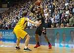 14.04.2018, EWE Arena, Oldenburg, GER, BBL, EWE Baskets Oldenburg vs s.Oliver W&uuml;rzburg, im Bild<br /> in Aktion...<br /> Mickey McCONNELL (EWE Baskets Oldenburg #32)<br /> Clifford HAMMONDS (s.Oliver W&uuml;rzburg #25 )<br /> Foto &copy; nordphoto / Rojahn