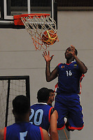 BELLO -COLOMBIA-10-03-2014. Alfrish Henry de Caribbean realiza una clavada durante el partido entre Academia de la Montaña y Caribbean Heat por la fecha 1 de la Liga DirecTV de Baloncesto 2014-I de Colombia realizado en el coliseo de la Universidad San Buenaventura en Bello./ Alfrish Henry of Caribbean makes a dunk during the match between Academia de la Montaña and Cimarrones del Choco for the first date of the DirecTV Basketball League 2014-I in Colombia played at Universidad San Buenaventura coliseum in Bello.  Photo:VizzorImage/Luis Ríos/STR