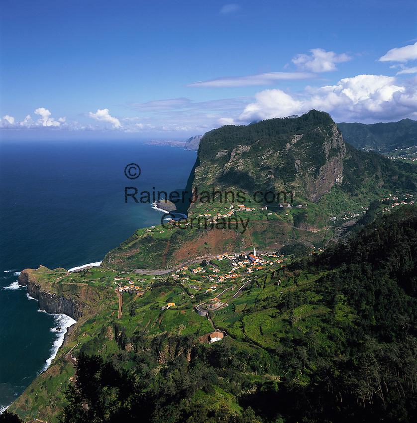 Portugal, Madeira, view across Faial at Penha de Agui (Eagle's Rock) | Portugal, Madeira, Blick über Faial zum Penha de Agui (Adlerfelsen)