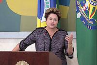BRASÍLIA, DF 06 DE MARÇO 2013. PRESIDENTA DILMA ROUSSEFF FAZ REUNIÃO COM TODOS GOVERNADORES DE ESTADOS E PREFEITOS DAS CAPITAIS. A presidenta Dilma Rousseff fez uma reunião com todos governadores de estados e prefeitos das capitais do pais no palácio do Planalto nesta quarta feira (6)..FOTO RONALDO BRANDÃO/BRAZIL PHOTO PRESS