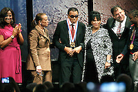 PHILADELPHIA, PA - SEPTEMBER 13 : A true champion of freedom, Muhammad Ali receives the National Constitution Center's 2012 Liberty Medal an star-studded ceremony marking the nationwide celebration of the U.S. Constitution's 225tth anniversary at the National Constitution Center in Philadelphia, Pa on September 13, 2012  &copy; Star Shooter / MediaPunchInc /NortePhoto.com<br /> <br /> **CREDITO*OBLIGATORIO** *No*Venta*A*Terceros*<br /> *No*Sale*So*third*...