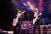 Nov 26, 1990: ZZ TOP - The Forum Los Angeles CA USA